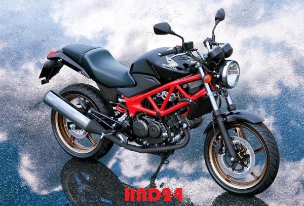 Honda VTR250 2014 (1)