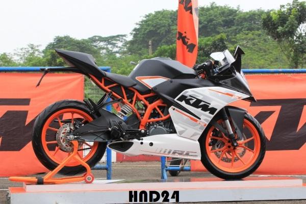 KTM RC390 (1)