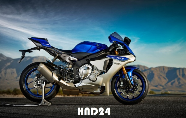 Yamaha YZF-R1 2015 (2)