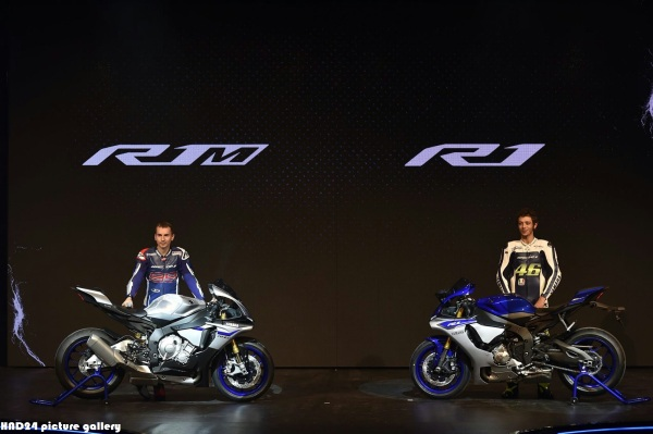 Rossi & Lorenzo unveil their new 2015 R1 & R1M
