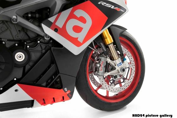 2015 RSV4 RF (2)