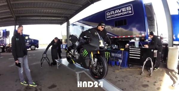New R1 2015 race version (4)
