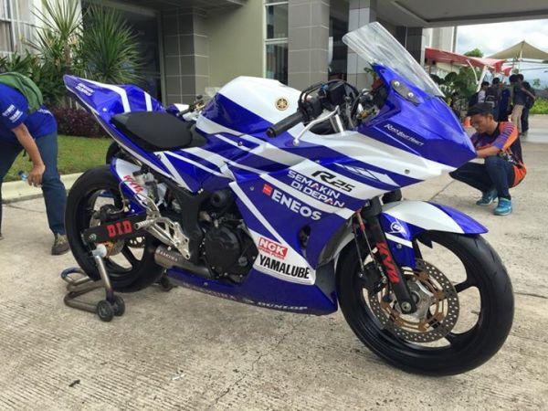 R25 race bike (2)