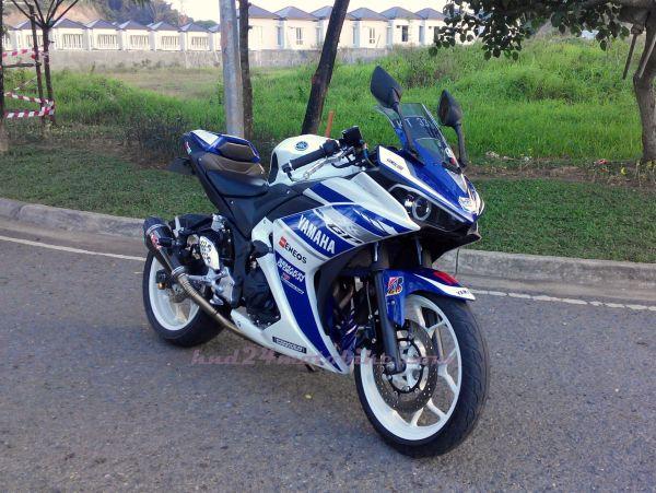 Yamaha R25 'Constantine' (1)
