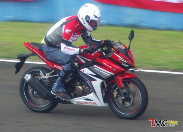 Honda New CBR150R (5) by TMCblog