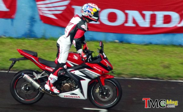 Dani Pedrosa on Honda New CBR150R by TMCblog
