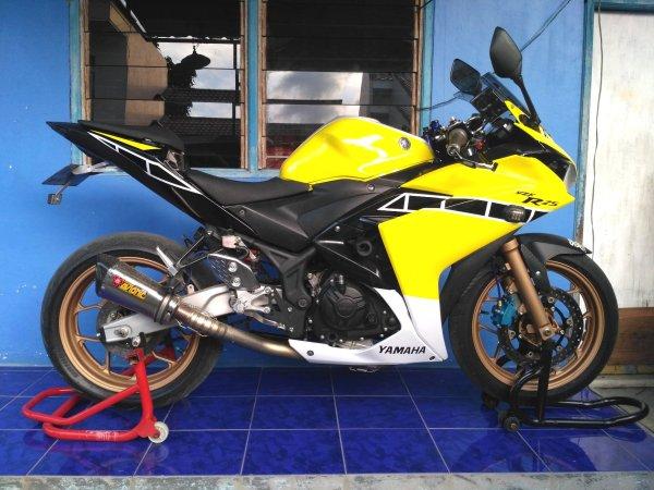 Yamaha YZF-R25 2014 (1)